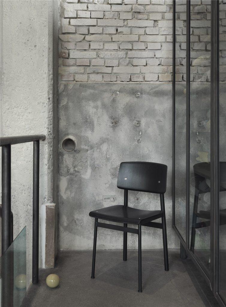 Chaise Loft